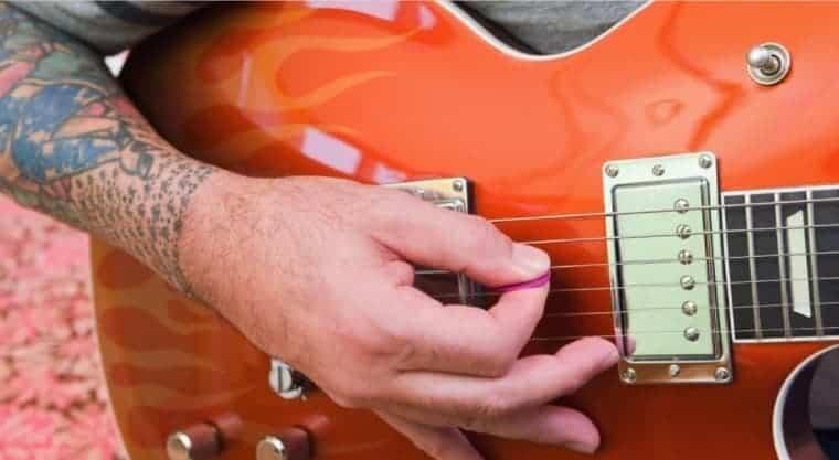Como evoluir na guitarra: 9 dicas para manter uma rotina de estudos